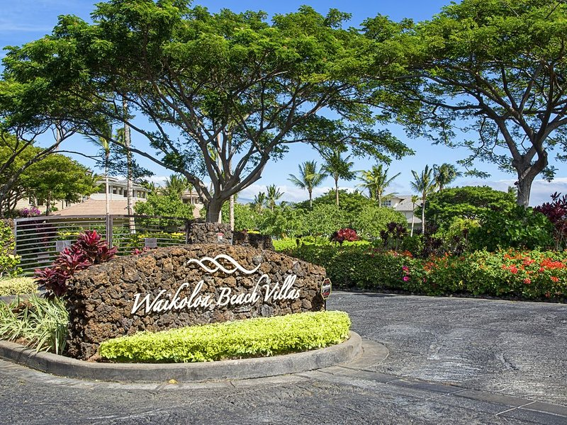 Waikoloa Beach Villas O2 - Tropical 2 Bedroom Villa with Golf Front Views!!, vacation rental in Waikoloa