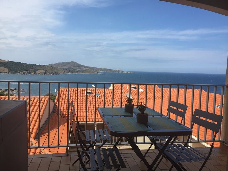 VACANCES FACE A LA MER -LUC N°06- VUE PANORAMIQUE BAIE/ CAP BEAR -CLIM-ANCV, alquiler de vacaciones en Banyuls-sur-mer