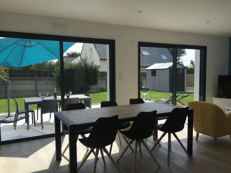 Maison au calme, à 300 m d'une jolie plage de sable fin, côté baie, holiday rental in Saint-Pierre-Quiberon