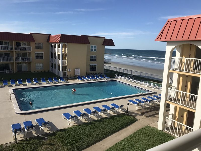 BEST REVIEWS ON THE BEACH!!, holiday rental in New Smyrna Beach