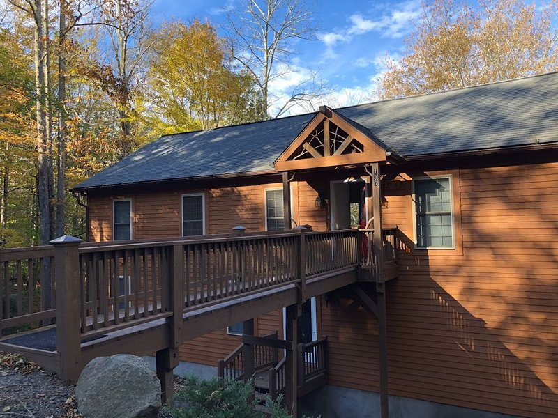 The Lazy K's Lodge: Prime ski location (Beech), All the comforts of home!, holiday rental in Beech Mountain