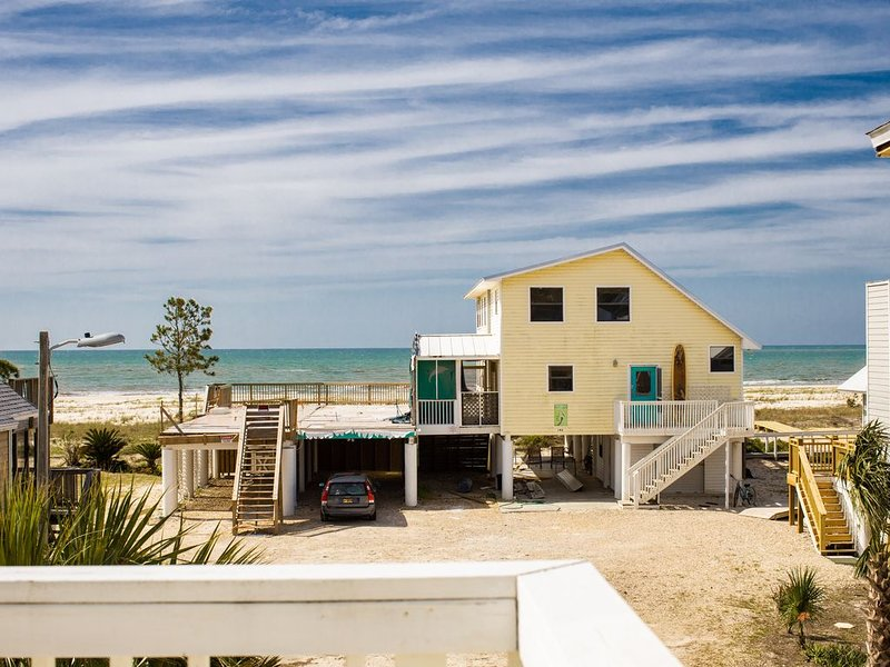 Stunning & Spacious Home~Lovely Ocean View-Big Green Egg & Kayaks & Pets., holiday rental in Port Saint Joe
