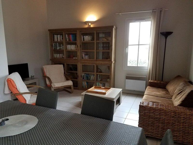 Vacation 6 persons ideally placed well in St Martin de Ré, location de vacances à Saint-Martin-de-Ré