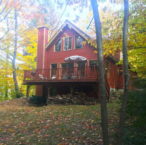3 Br House- Private Saco River Beach, Mountain Views, Near Storyland & Attitash, Ferienwohnung in Hart's Location