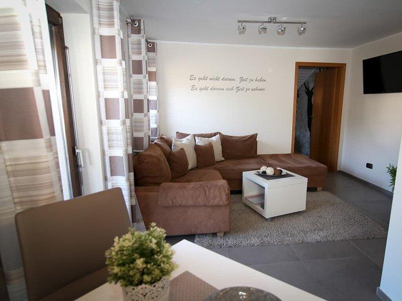Romantisches Appartement mit Wohnküche und großzügigem Balkon, holiday rental in Neukirchen beim Heiligen Blut
