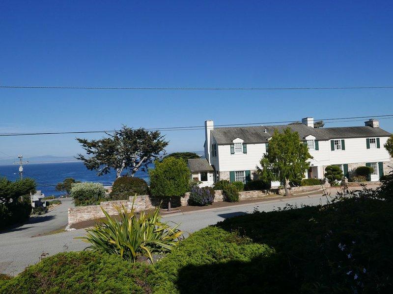 Spectacular Ocean View Studio - Most Memorable Mini-Retreat, holiday rental in Monterey County