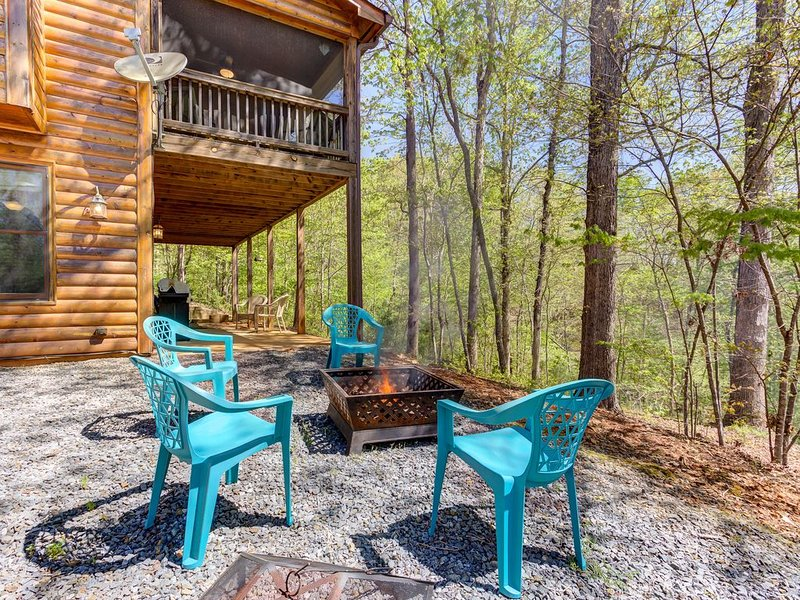 Dog-friendly Coosawattee River Resort cabin with deck, hammock, & shared pools!, vacation rental in Ranger