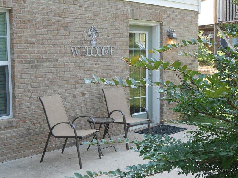 Harrisonburg Hideaway/Farmhouse Apartment, holiday rental in Dayton