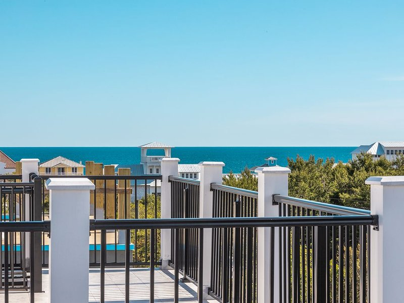Brand New-spectacular gulf views and observation deck, 2.5 blocks from the beach, vacation rental in Inlet Beach