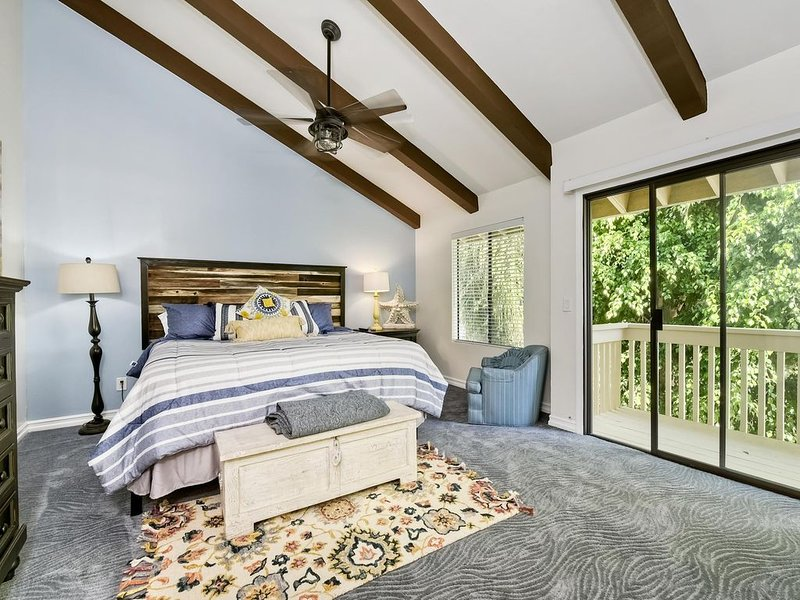 5STAR Close2Everything! This is LAGOON'S Best 'Gem' Remodeled to Perfection 2/BR, Ferienwohnung in Carlsbad