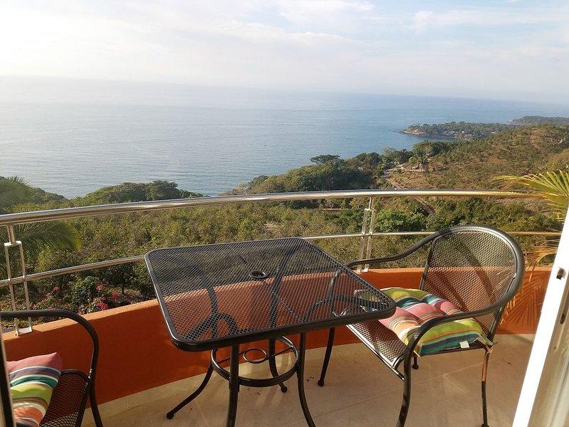 1-bedroom 4th floor Ocean View Condo 407, aluguéis de temporada em Chacala