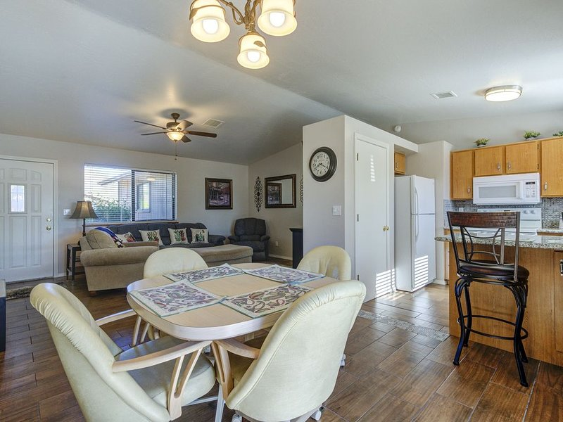 Keeping things fresh, Cedar Springs Casita is waiting for you to enjoy!, location de vacances à Prescott Valley