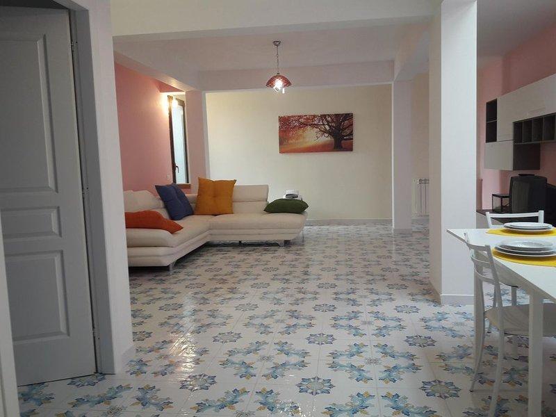 Elegante appartamento seminterrato Fondo Sessa, in villa bifamiliare, holiday rental in Mondello