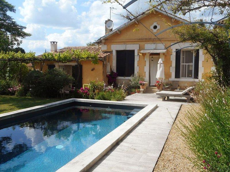 CHAMBRES D'HOTES DANS MAISON A SAINT REMY DE PROVENCE, Ferienwohnung in St-Rémy-de-Provence