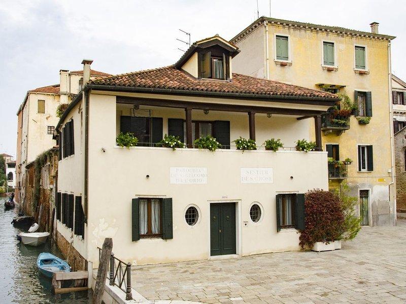 Casa Cafiero - Gorgeous retreat in quiet square, walking distance to the center, aluguéis de temporada em Cidade de Veneza