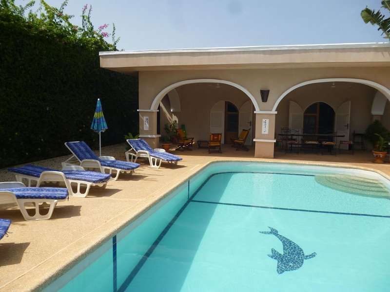 VILLA  PROCHE MER ,GRANDE PISCINE,SANS VIS A VIS,WI-FI, 420 EUROS 7 NUITS, vacation rental in Thies Region