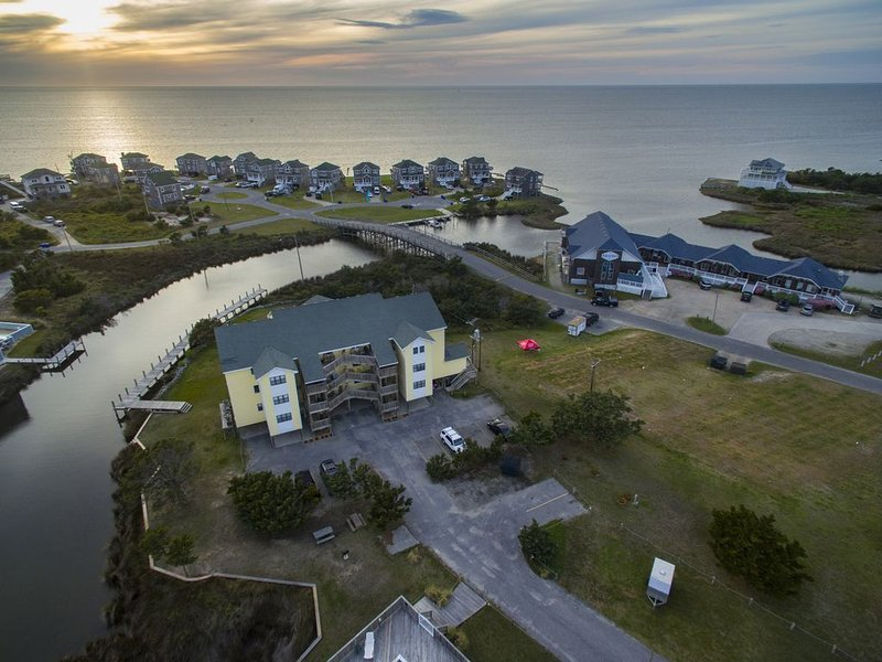 Come Stay and Play on the Sound - Bikes, Kayak & Paddleboard included, holiday rental in Hatteras Island