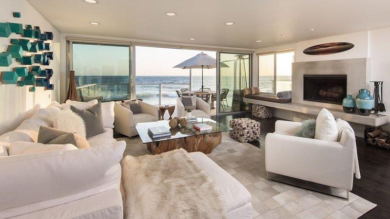 Stunning Contemporary on Private Beach, casa vacanza a Thousand Oaks