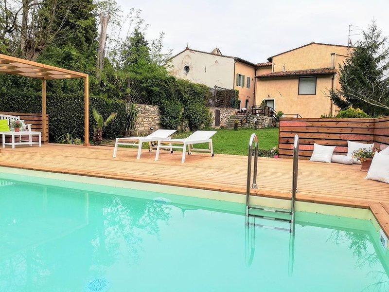 Colonica del '700 fra vigne e oliveti, holiday rental in Pontassieve