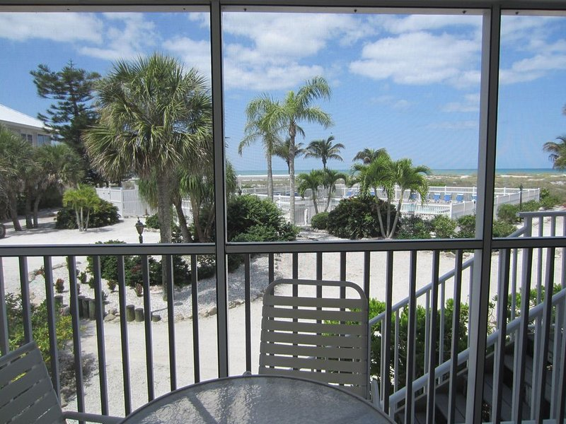 Perfect for a Beach Getaway, Great View and Near the Pool, 2 Bedroom, B2613B, vacation rental in Englewood