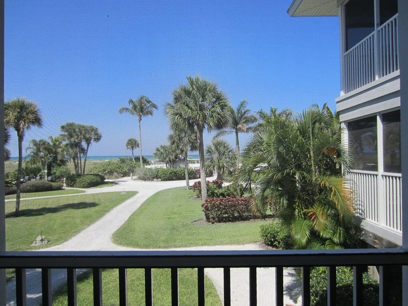 Perfect for two! This Pretty villa with an Awesome View of the Gulf! A3411A, vacation rental in Englewood
