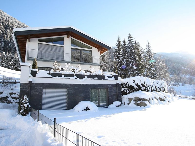Perfectly furnished modern apartment with large garden just outside Radstadt, holiday rental in Forstau