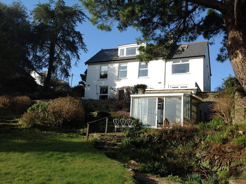 3 White Ladies, Stoke Fleming a Pretty Coastal Village ., holiday rental in Dartmouth