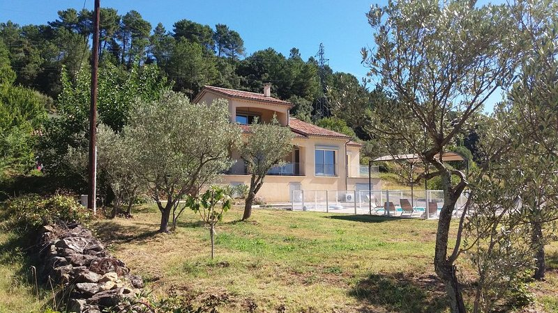 Location d'une villa avec piscine privative à la campagne., vacation rental in Ardeche