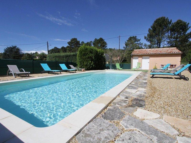 Havre de paix en pleine nature, gîte  Lavandin, piscine chauffée, vacation rental in Vagnas
