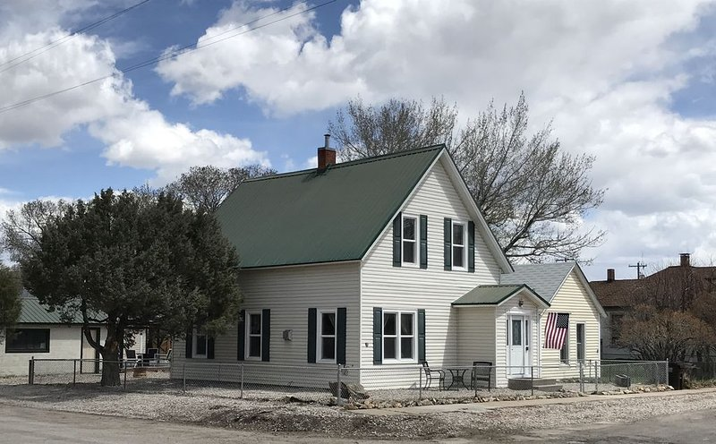 Charming and historic home close to downtown, holiday rental in Saratoga