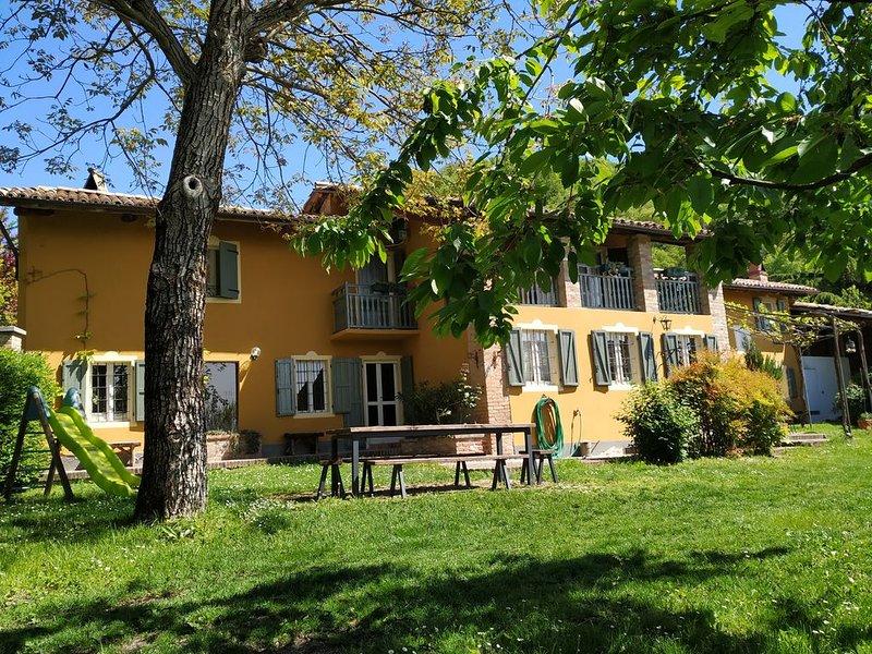 Cascina Grazia. Farmhouse on Monferrato Hills., casa vacanza a Alfiano Natta
