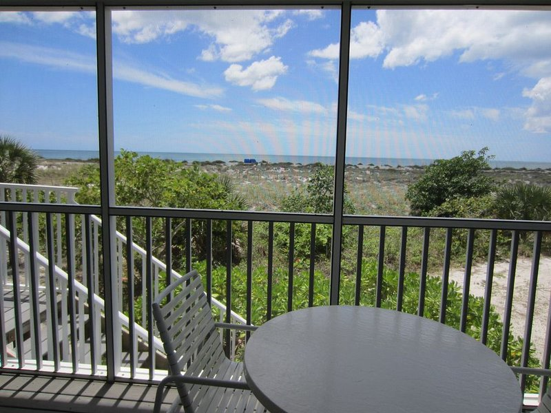 Very Nice 2 Bedroom Villa Great view and access to resort amenities,  B2011A, vacation rental in Englewood