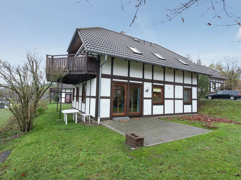 Holiday house with a beautiful wide view on Frankenau, holiday rental in Vohl