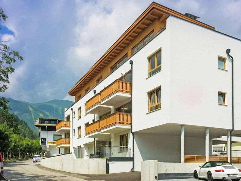 Luxurious and centrally located apartment in Zell am See, alquiler vacacional en Thumersbach