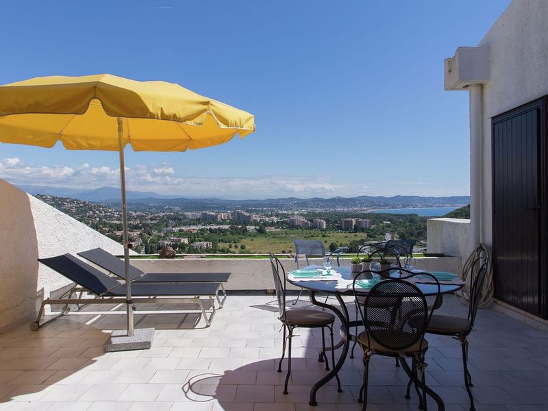 Luxurious holiday home with spacious pool in Mandelieu-la-Napoule, near Cannes – semesterbostad i Mandelieu-la-Napoule