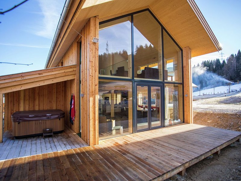 Detached, luxury chalet with panoramic view, wellness area, and jacuzzi , near, holiday rental in St. Lambrecht