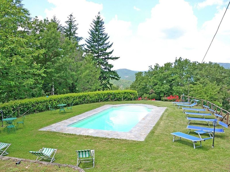 Spacious Holiday Home in Cortona with Private Swimming Pool, holiday rental in Teverina