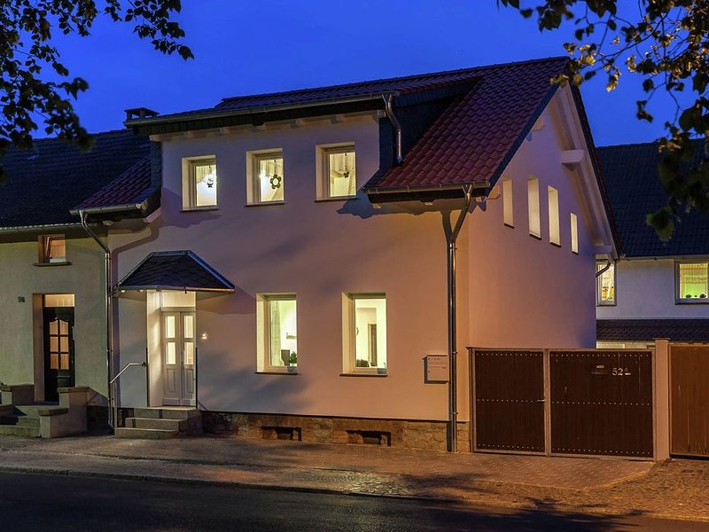 Classy Holiday Home in Thale with Terrace, holiday rental in Thale