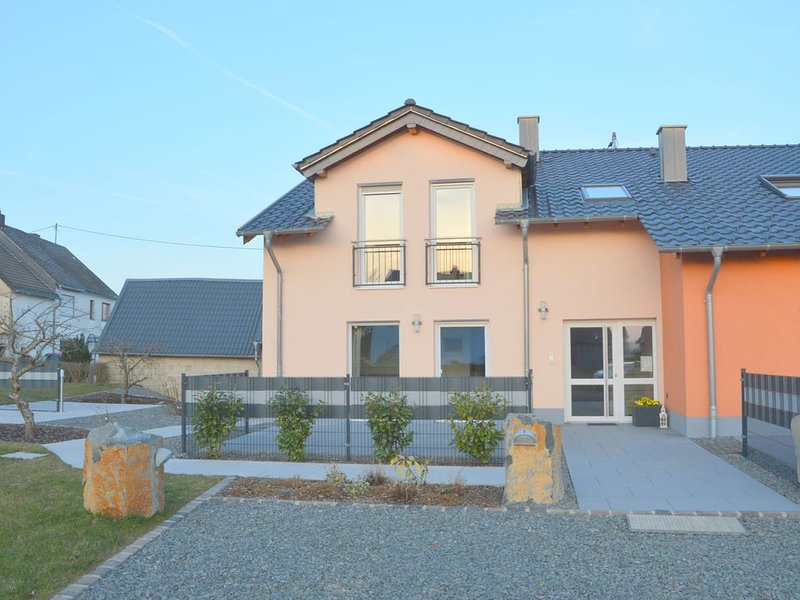 Beautiful high quality apartment with private terrace, centrally in the Eifel, holiday rental in Auderath