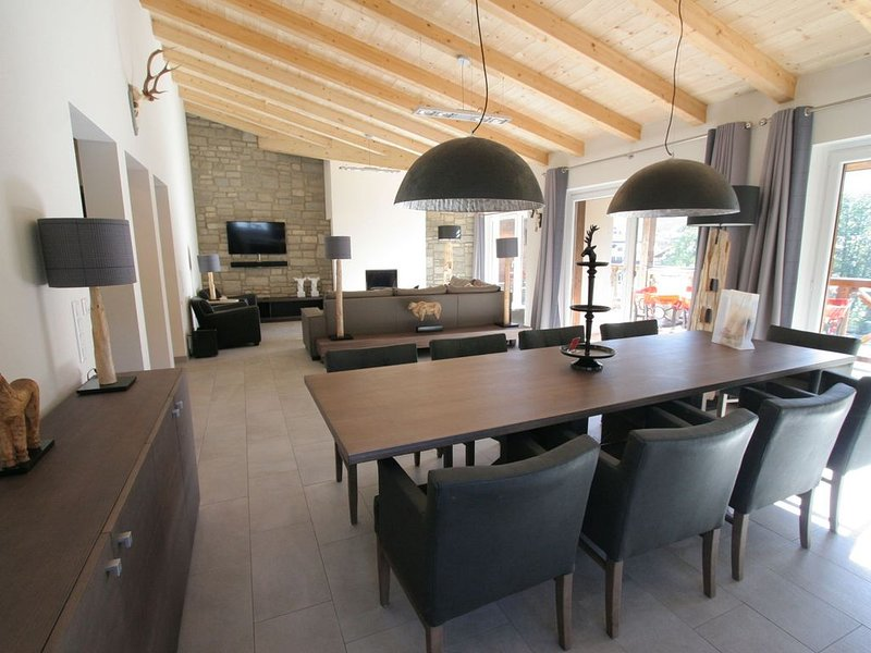 Very large penthouse where you will feel right at home, location de vacances à Kaprun