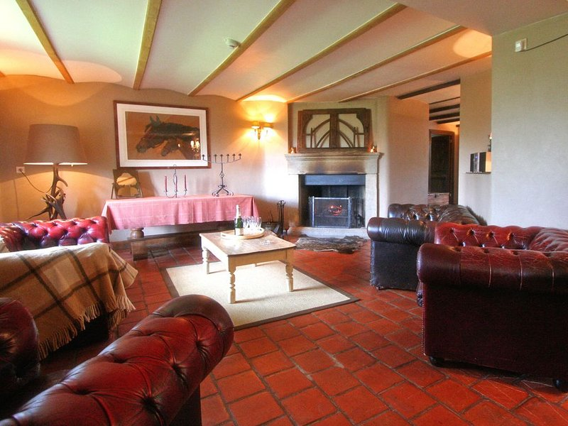 Very well maintained gite with deluxe sauna, bar and billiards., holiday rental in Martelange