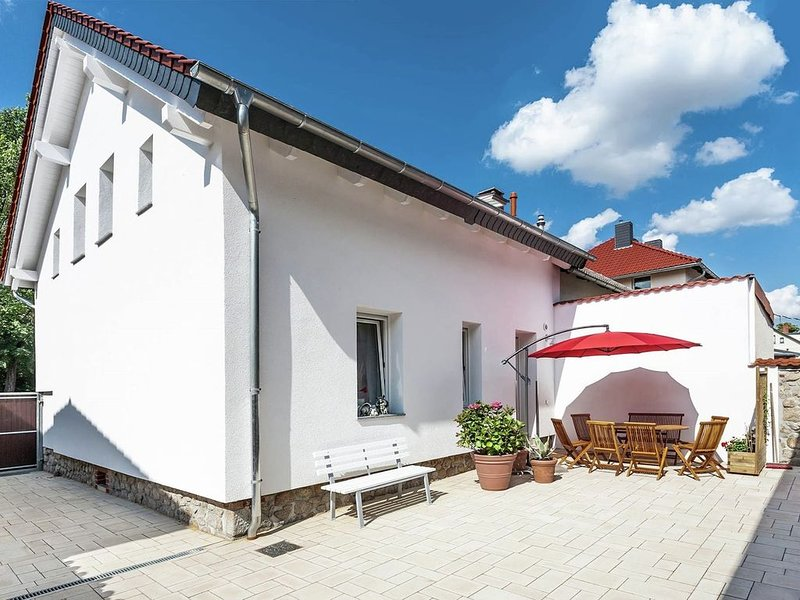Holiday home with courtyard and terrace in quiet setting near the town centre, holiday rental in Thale