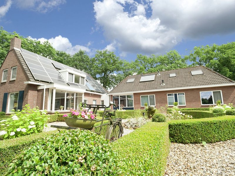Spacious Holiday Home in Exloo with Garden, holiday rental in Drenthe Province