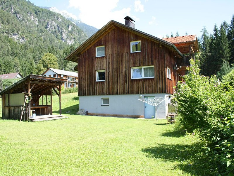 Quiet location situated house at 5 min. Walking distance Presseggersee, alquiler vacacional en St. Stefan im Gailtal