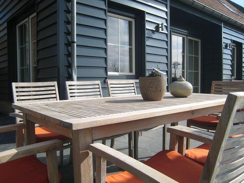 Stylish Holiday Home in Zuidzande with Sauna, holiday rental in Sluis