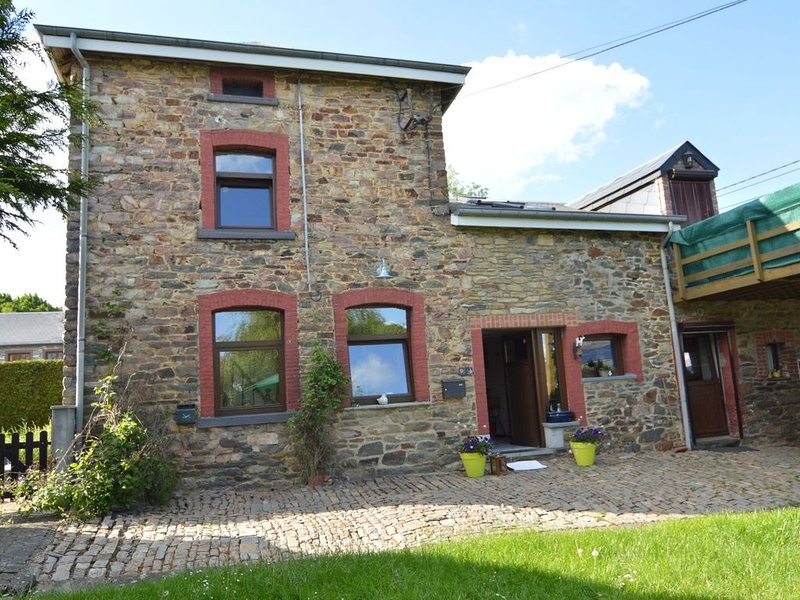 A comfortable house in the region of the Belgian Luxemburg, holiday rental in Montleban