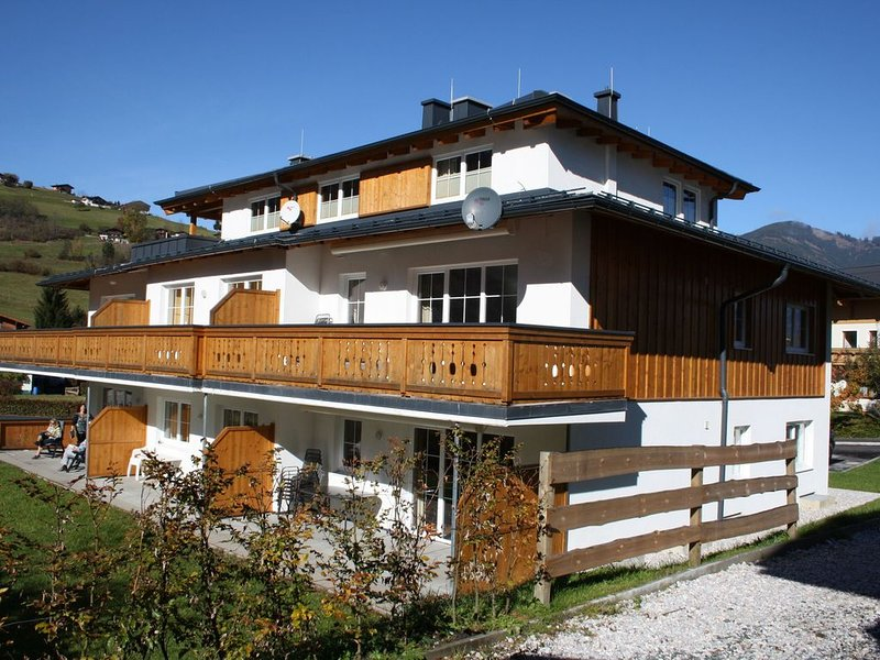 Newly built holiday home near the ski lift in Kaprun, holiday rental in Kaprun