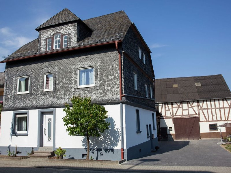 Spacious Holiday Home in Haserich near Lake, location de vacances à Moerz