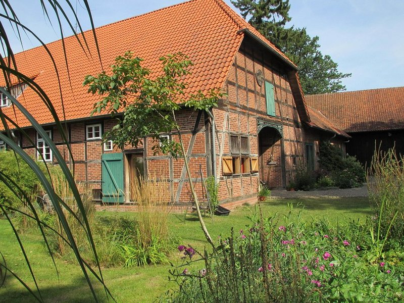 Bright Farmhouse in Hohnebostel with Garden, holiday rental in Ilsede