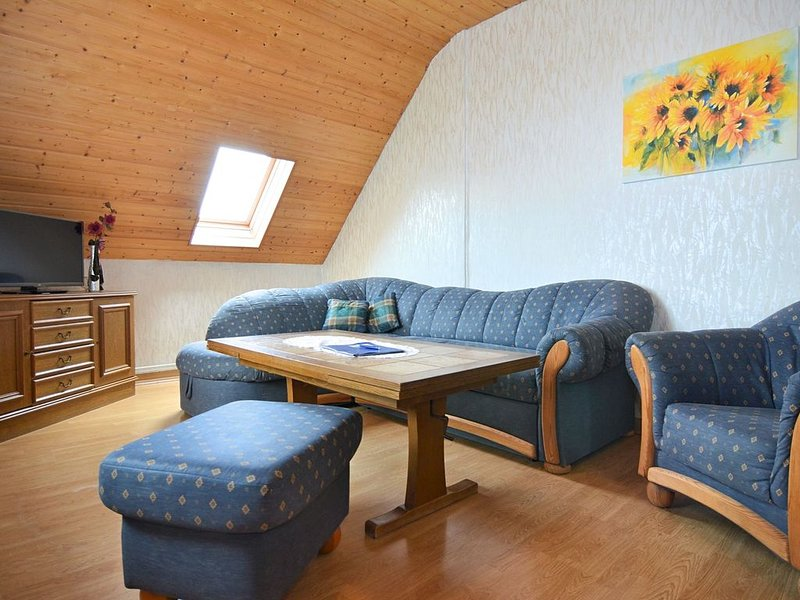 Spacious Farmhouse in Friedrichsfeld near Forest – semesterbostad i Beverungen